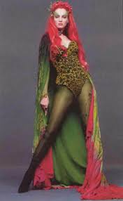 pictures of poison ivy from batman movie