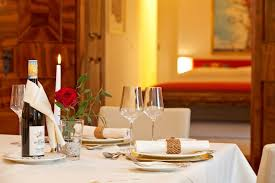 romantic dinner table for two how to arrange a romantic dinner table gallery