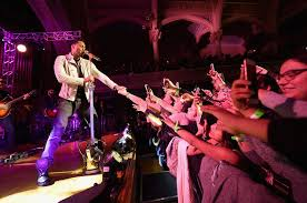 Image result for images romeo santos concert audience