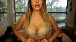 Big breasts in tube tops photos