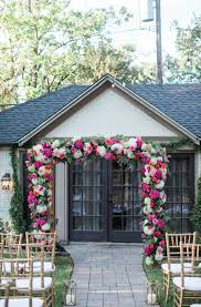 intimate backyard wedding in dallas texas planning and design by ivory vine event co fl by the garden gate photography by melissa claire photo