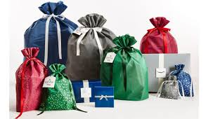 amazon s gift bags e in five sizes and three colors to fit presents of diffe shapes