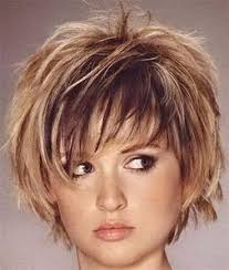 Short Hairstyle For Women 12 Stunning Shorthairstylesforfatfaces Short Hair Styles For Fat Faces