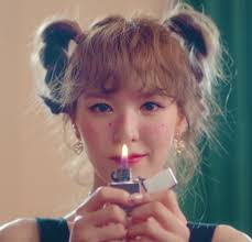 One shot at maybe you're dead. Wendy From Red Velvet In The Beginnning Of The Russian Roulette Video Veludo Vermelho Wendy Seulgi Kim Yeri