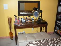 small bedroom organization decorating ideas