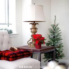 Holiday Decorating Ideas for a Small Apartment | Designthusiasm.com
