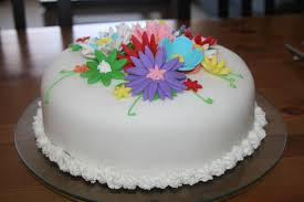 Easy Fondant Birthday Cake Ideas