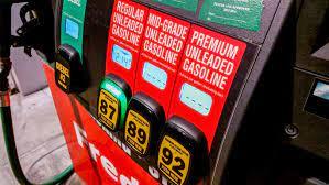 هل تستخدم الوقود الممتاز للسيارة بدلاً عن العادي؟ أنت تهدر أموالك