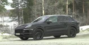 2018 porsche cayenne turbo. interesting cayenne 2018 porsche cayenne spied for porsche cayenne turbo