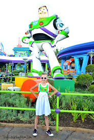 family toy story costumes diy buzz