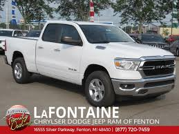 NEW 2019 RAM 1500 BIG HORN / LONE STAR QUAD CAB® 4X4 6'4
