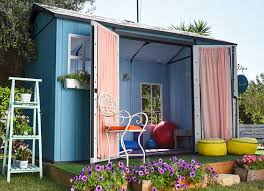 outdoor laundry room example