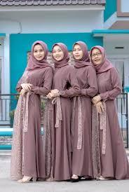 Pemesanan baju baju seragam online pengiriman seluruh indonesia. 45 Inspirasi Seragam Bridesmaids Terbaik Yang Bisa Ditiru Dari Berbagai Bahan Modern Blog Informasi