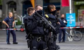 Polizei nimmt angreifer in würzburg fest. Cqj7sawidsprem