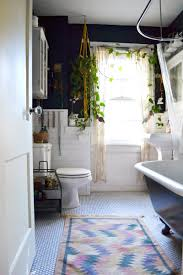 Plants in the Bathroom: Inspiration from Our House Tours | Apartment Therapy