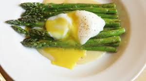 delicious asparagus with butter and hollandaise                     sauce