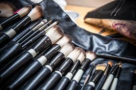 how to clean makeup brushes with vinegar
