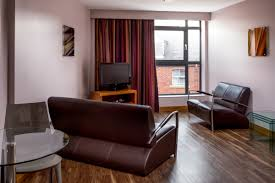 Liberty Suite In Leeds City Centre Roomzzz Aparthotel - Cosmo 2 bedroom city suite