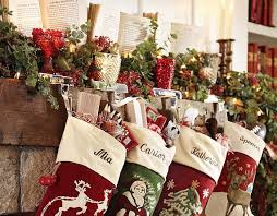 Gorgeous Fireplace Mantel Christmas Decoration Ideas _02