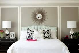 wall decor in bedroom