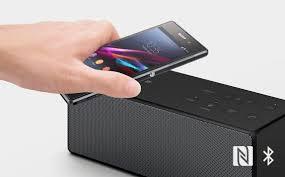 sony ultra portable bluetooth speaker. pair, aliran, dan mengendalikan anda bluetooth® audio yang pengalaman streaming via bluetooth a2dp terintegrasi (profil distribusi canggih audio) dukungan sony ultra portable speaker