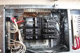 2006 sandpiper f37sp wiring short forest river forums this is the breaker box inside my trailer if u notice there are 2 50 amp main breakers and they have a bar between them if one trips it is suposed to