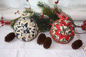 Thimbles, Bobbins, Paper and Ink: Quilted Fabric Ornaments & I had planned to create a tutorial how I made my quilted fabric ornaments  but there are so many very good ones already created that I encourage you  to ... Adamdwight.com