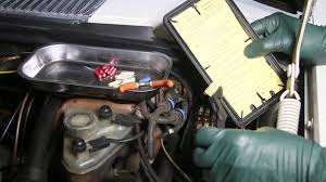 1961 to 1995 mercedes benz fuse box troubleshooting and service  at Fuse Box Location 1993 Mercedes 300e 2 8