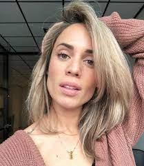 Nienke plas (purmerend, 3 april 1986) is een nederlandse presentatrice, youtuber, zangeres en actrice. Eerste Aflevering Van Nienke Plas Realityshow Is Vandaag Te Zien