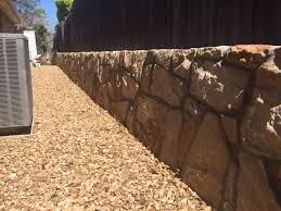 rock retaining wall example in bedford texas