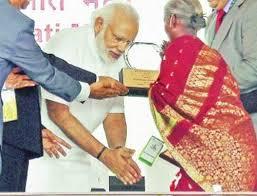 விருது வாங்கினது பெரிய சந்தோஷமாவும், பெருமையாவும் இருக்கு