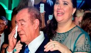 Diferente de Gugu, Renato Aragão reconhece esposa, Lilian Aragão, em bela  homenagem