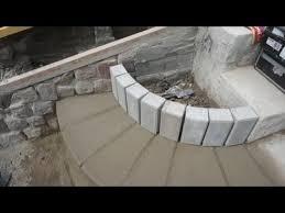 Nach diesen angaben bauen sie sich jetzt eine form, in der die benötigte anzahl an stufen aus beton gegossen wird. Betontreppe In Steinoptik Selbermachen Aus Beton Steinen Bauschutt Einfach Selber Machen Bauen Youtube Treppe Selber Bauen Gartentreppe Steintreppen