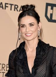 get demi moore s sag awards makeup