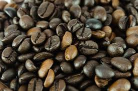 Light roast coffee vs dark roast coffee science tends to have a answer for everything even when it comes to coffee roasts. Til It S A Myth That Light Roast Coffee Has More Caffeine Than Dark Todayilearned