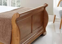 Quality Oak Bedroom Furniture Louie Wooden Sleigh Bed Oak Finish Light Wood Wooden Beds Beds