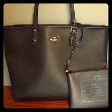 NWT black Coach tote!!! Reversible city tote!!