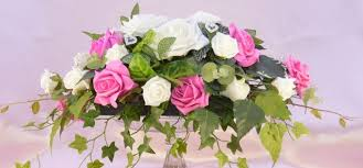 top table ivory fuchsia rose with heart diamante greenery