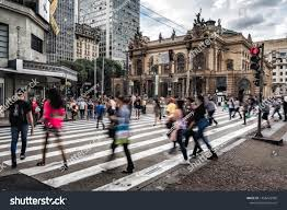 Sao Paulo Red Light Paulobrazil May 31th 2019 Pedestrians Crossing People