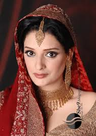 fantastic bridal shadi makeup with beautiful maskara makeup lips color with border nice eye liner makeup