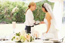 32 Secrets Wedding Planners Won T Tell You Reader S Digest