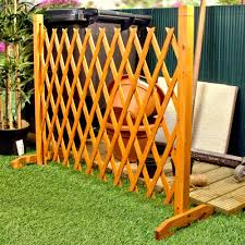 oustanding expanding fence garden screen trellis style expands to 62 pic is section of free standing