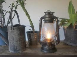 our hurricane lamps have been manufactured continuously without changing shape until now the name hurricane lamp means that it keeps the flame even in