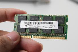 the laptop es with an 8gb pc3l 12800s memory