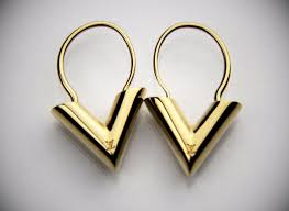 louis vuitton earrings mens. louis vuitton iconoclasts essential v letter dangling hoop earrings set w/box louis vuitton mens