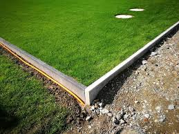 wooden lawn edging