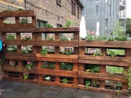 garden screen. Pallet Garden Screen