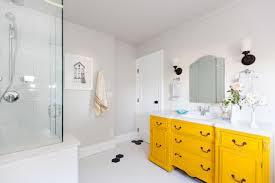 Yellow Bathroom Designs Yellow Bathroom Decor Ideas Pictures Tips From Hgtv Hgtv