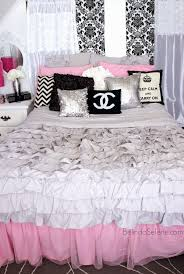 Bed Black White And Pink Bedroom