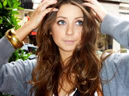 Middle Split Hair Style zoella messy middle parting 6396 by wearticles.com